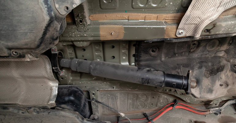 Tips to Fix Driveshaft Support Failure in a Porsche